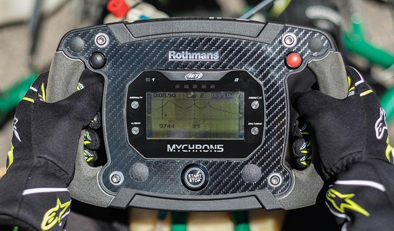 multifunction-racing-steering-wheels